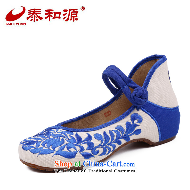 The Thai and source of Old Beijing mesh upper spring shoes embroidered shoes, casual women shoes of ethnic slope heels embroidered shoes hanging ornaments single shoe porcelain 37