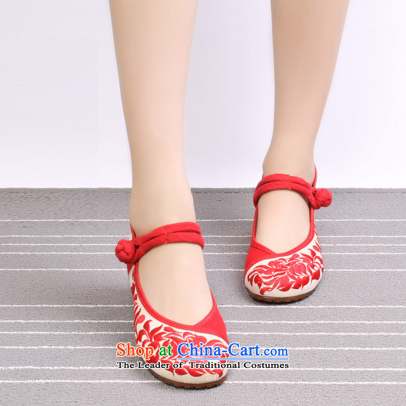 Mesh upper with old Beijing stylish shoe classic porcelain embroidery shoes with soft bottoms to dance with dedicated embroidered shoes 0004 which corresponds to 0004 which corresponds to37 porcelain Safflower