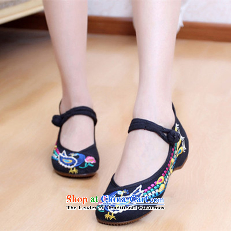 Oriental Kai Fei 2015 the new beef tendon bottom embroidered shoes of Old Beijing Phoenix mesh upper ethnic embroidered shoes mother shoe square Dance Shoe Black Phoenix 37