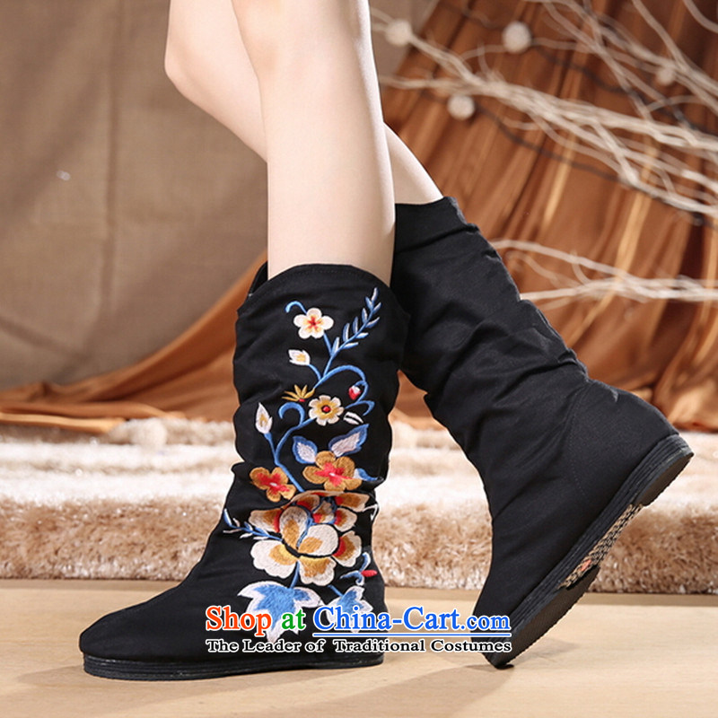 Mesh upper with old Beijing women shoes new embroidered boots retro ethnic thousands ground breathable embroidered shoes and boots in black 35