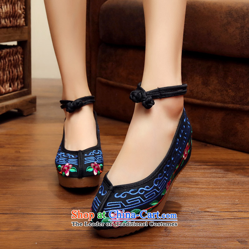 The fall of new products with stylish high-embroidered shoes of Old Beijing mesh upper women shoes bottom slope beef tendon with retro style embroidery hasp single shoe children black聽36