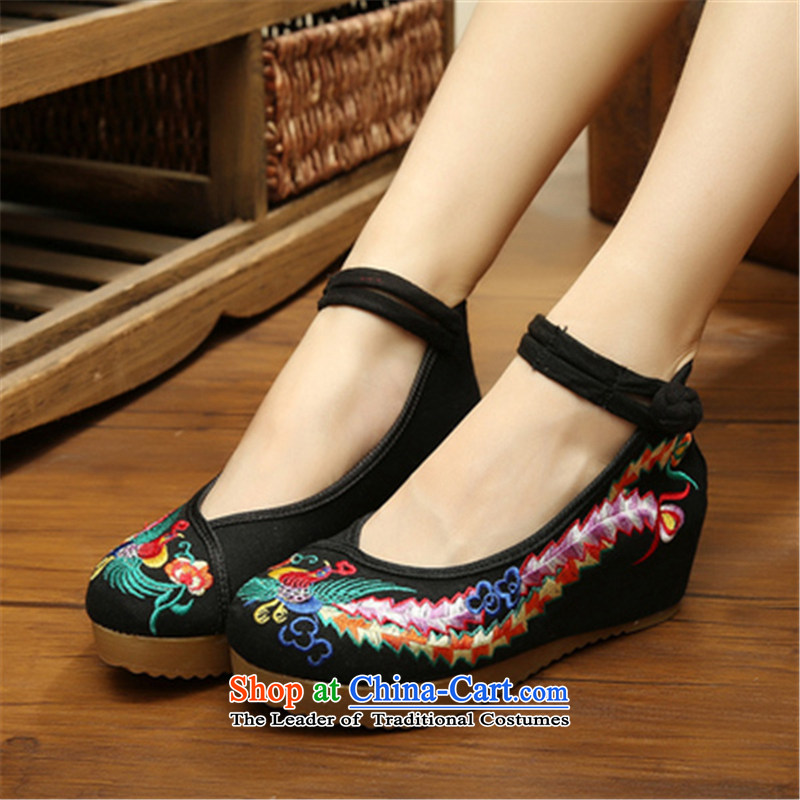 Mesh upper with old Beijing women shoes spring and fall of ethnic embroidered shoes slope with shoes increased thick square Dance Shoe black-tail 38