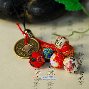 Mai Gigi Lai China wind choi trading phone link fabrics ball mobile phone personality jewelry special offers idyllic