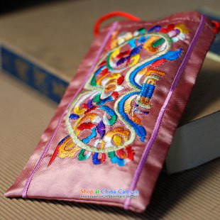 Mai Gigi Lai China wind mobile phone Small packet of embroidered hemp phone package retro women packages package Factory