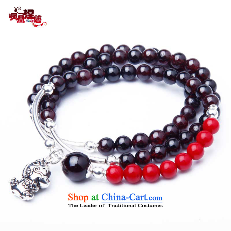 Phoenix Nirvana hand string female ancient style of pomegranate wine red stone 925 silver zodiac hand chain of ethnic ornaments of Yao _hand chain _ Mouse