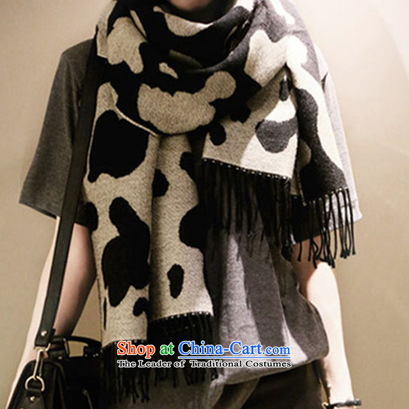 2015 Autumn and Winter Korean cows spend stretch marks leopard large Fancy Scarf knitted a stream on both sides of the KoreanHSW9011 shawl dairy black and white two-sided