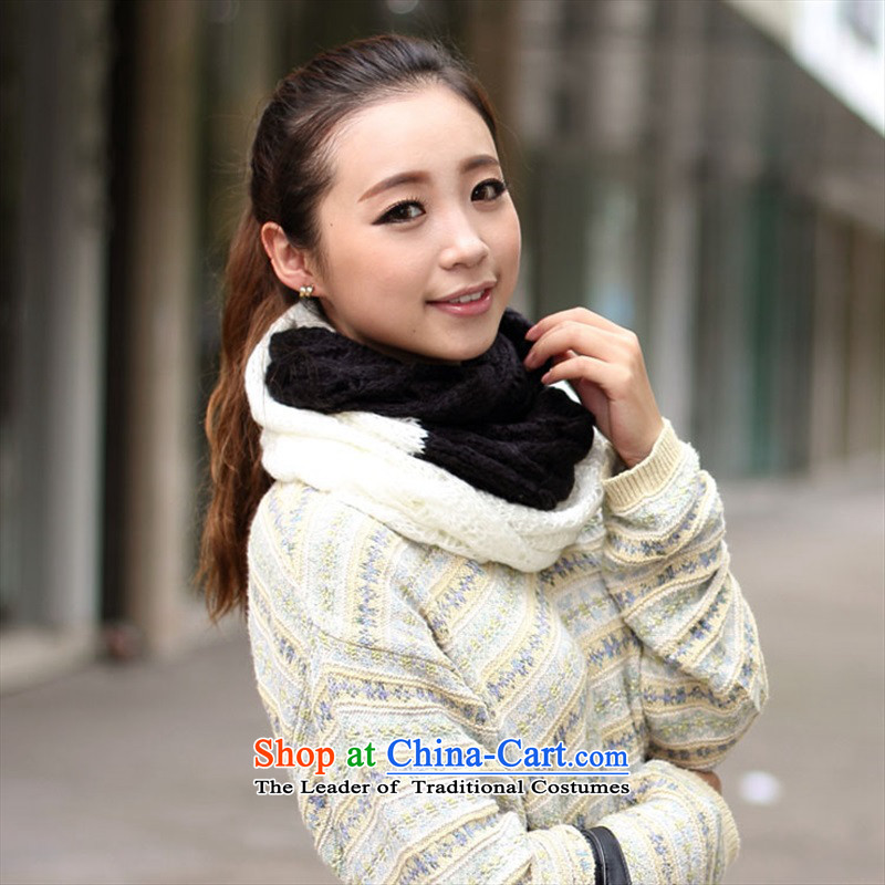 The Korean version of the dual color knitting to a Korean female couple of autumn and winter 2015, warm a black-and-white