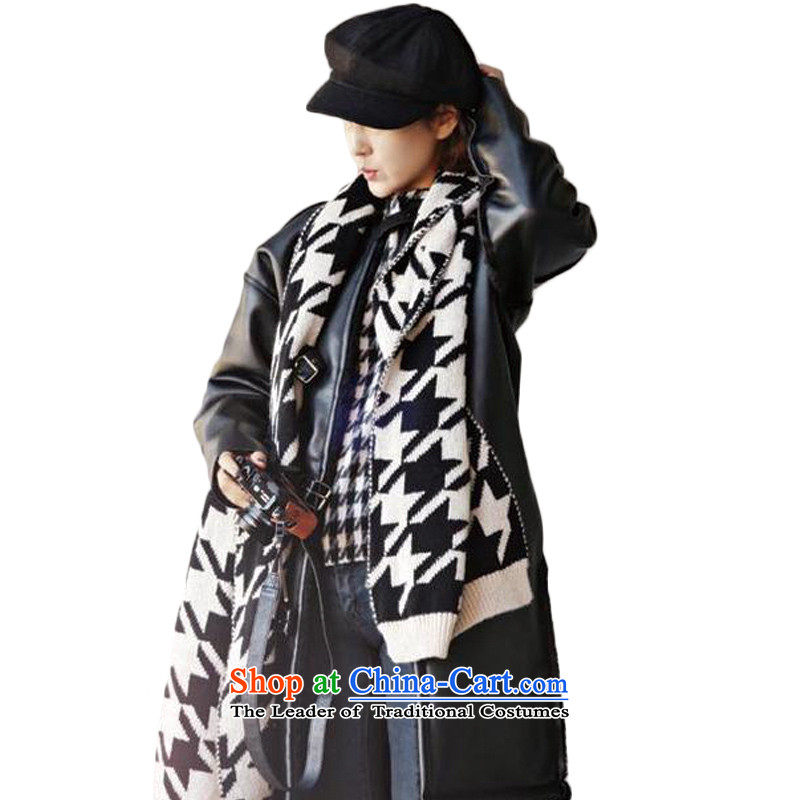 Warm black and white scarf CHEGEE latticed chidori grid Knitting scarves knitted cardigans female couple
