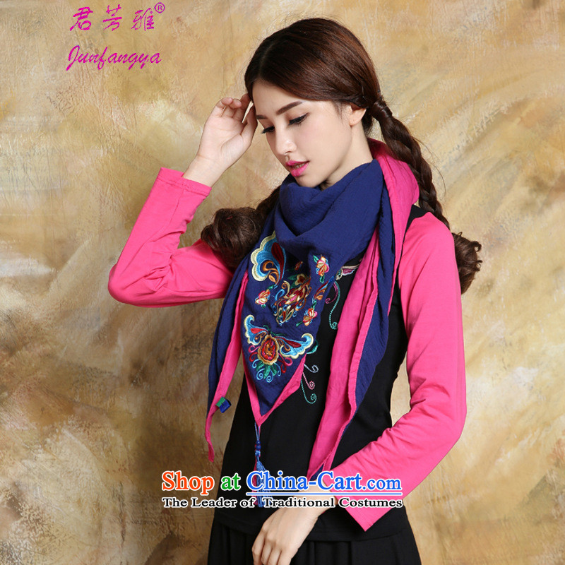 Kwan Fong Nga 15 years autumn and winter new ethnic Embroidered scarf Flow Color Plane Collision Su, dark blue scarf