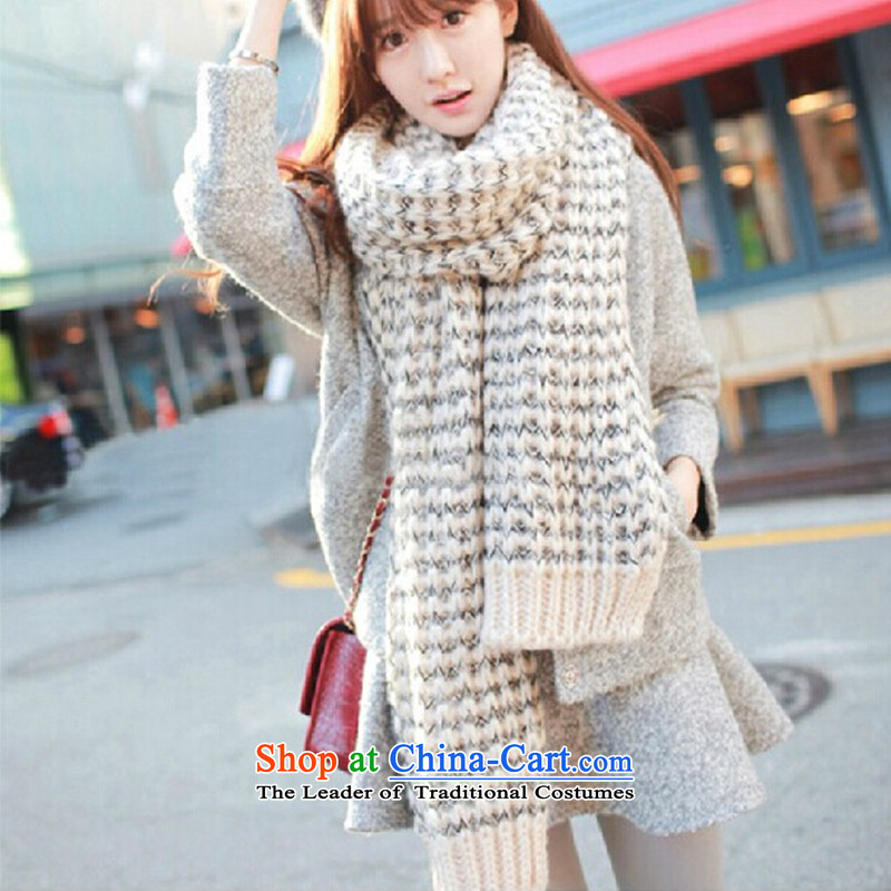 Taxi Dan Xiong Mohair scarf female long thick Korean winter new couples a knitting, knitting shawl two white black