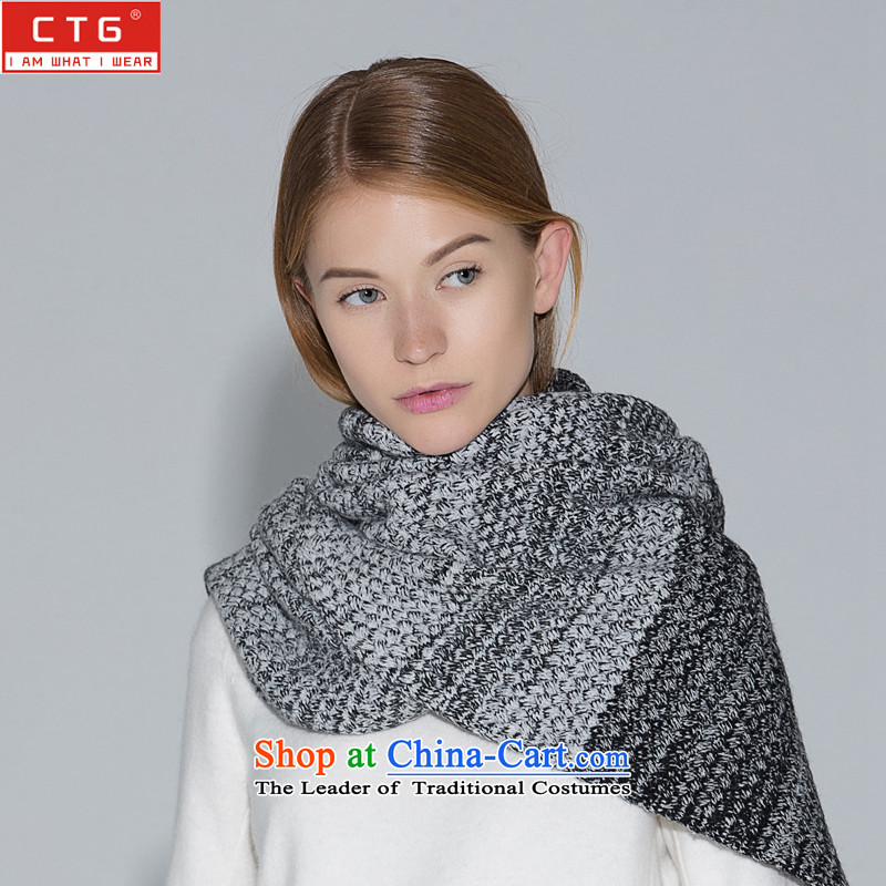 The Korean version of the scarf female autumn and winter thick warm scarf Sleek and versatile leisure scarf thick black and white