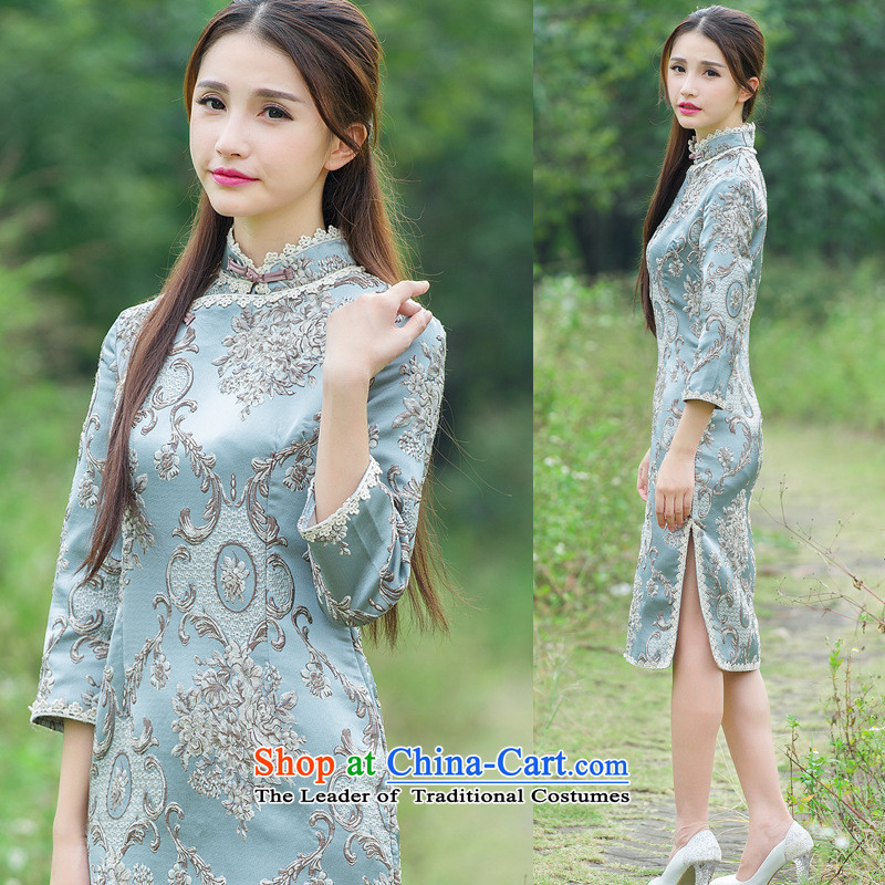 The case of the 2015 Winter Palace to spend the new heavyweight click and the need to come to grips with embosser embroidery cheongsam dress up manually map color tie燲L