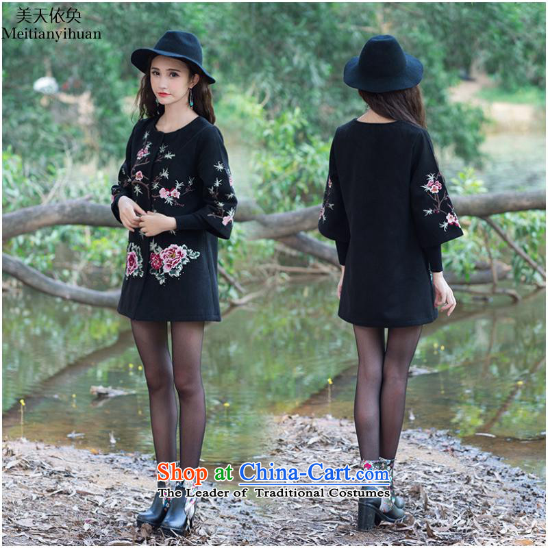 Gross? 2015 autumn and winter coats new ethnic embroidery in long-sleeved jacket women in Sau San FZ559?5XL black