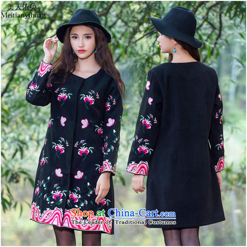 2015 Autumn and winter new ethnic gross? No collar workers in embroidery classic long coats FZ559 female black?5XL