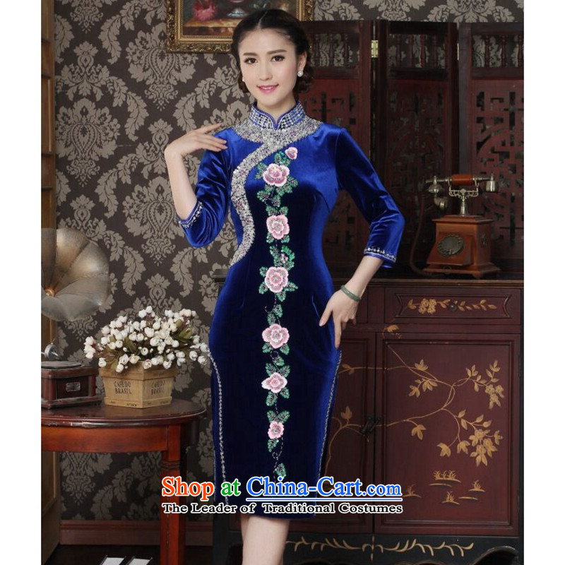 Floral qipao female Chinese improved collar scouring pads to the Pearl River Delta and noble qipao manually embroidered banquet cuff cheongsam blue燲L