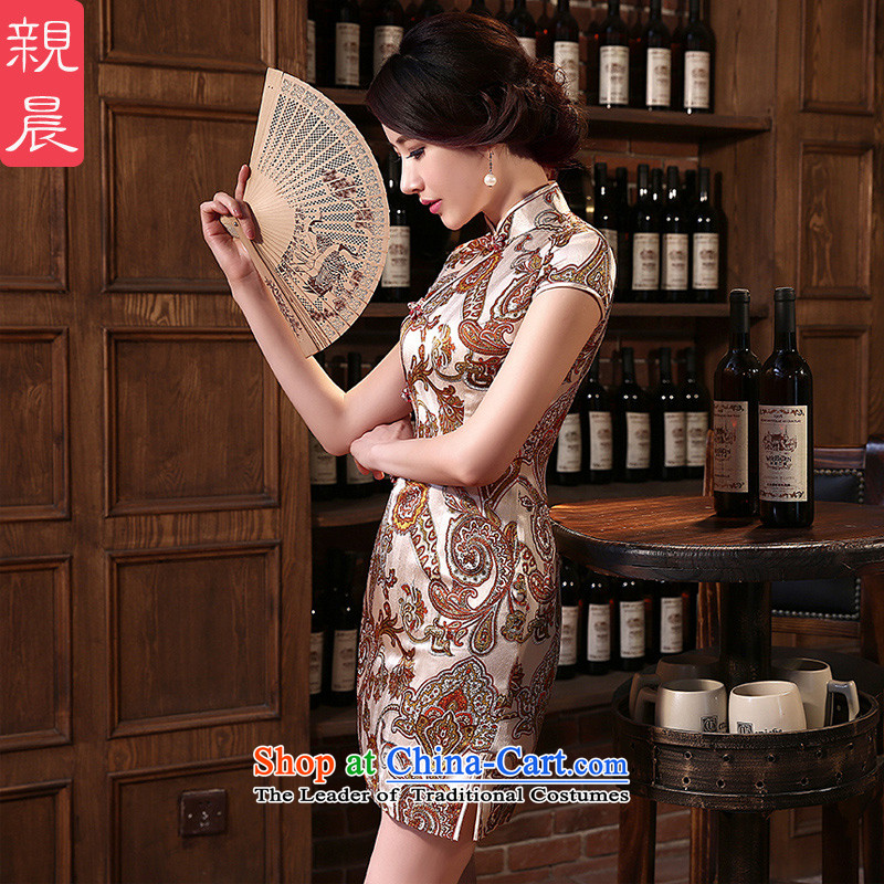 The pro-am daily new 2015 retro improvement and the relatively short time of herbs extract silk cheongsam dress up the skirt short,?2XL