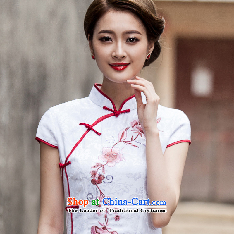 New cheongsam dress 2015 summer short of female improved stylish Sau San embroidery dresses retro daily Tang dynasty white燬