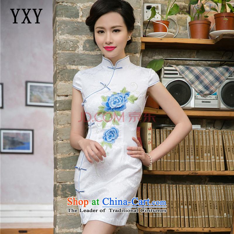 At stake, the Cloud's summer short-sleeved qipao Ms. improved national three-dimensional air-embroidered dress blue?S
