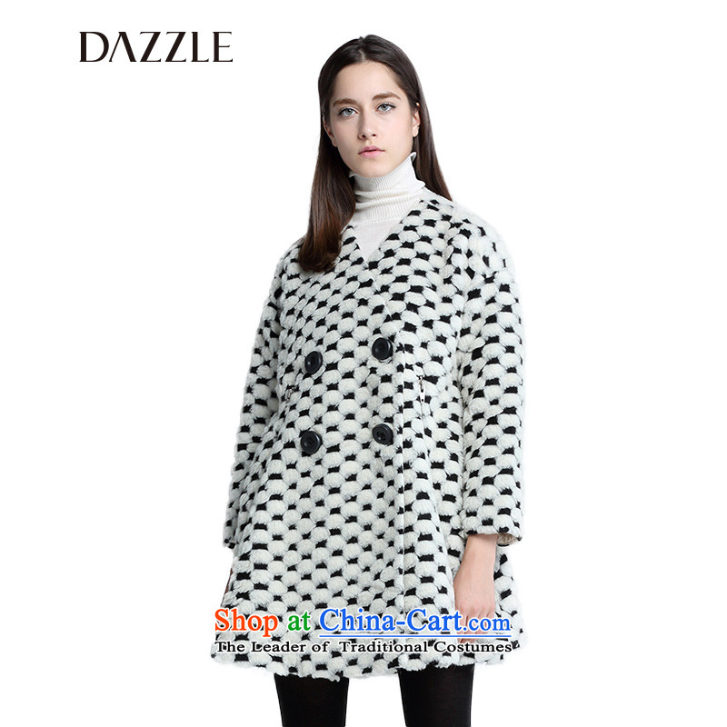 The DAZZLE of 15 counters to black and white in the Argyle wool long without collars 251G211 coats the white 155XS