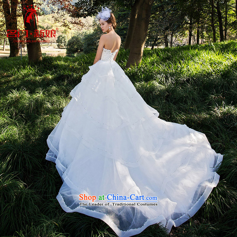 A Bride winter wedding cake with chest petticoats original design manually staple Pearl 2525 made 25 days Shipment