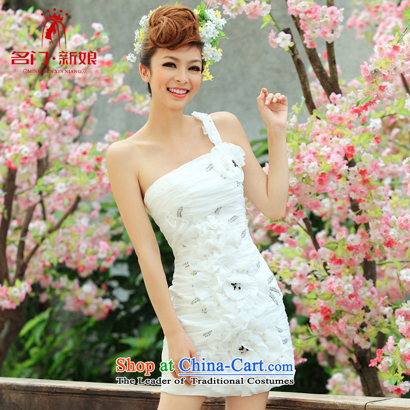 A gala dinner serving toasting champagne marriages bridesmaid bride services serving the small Dress Short single shoulder dress 247 M