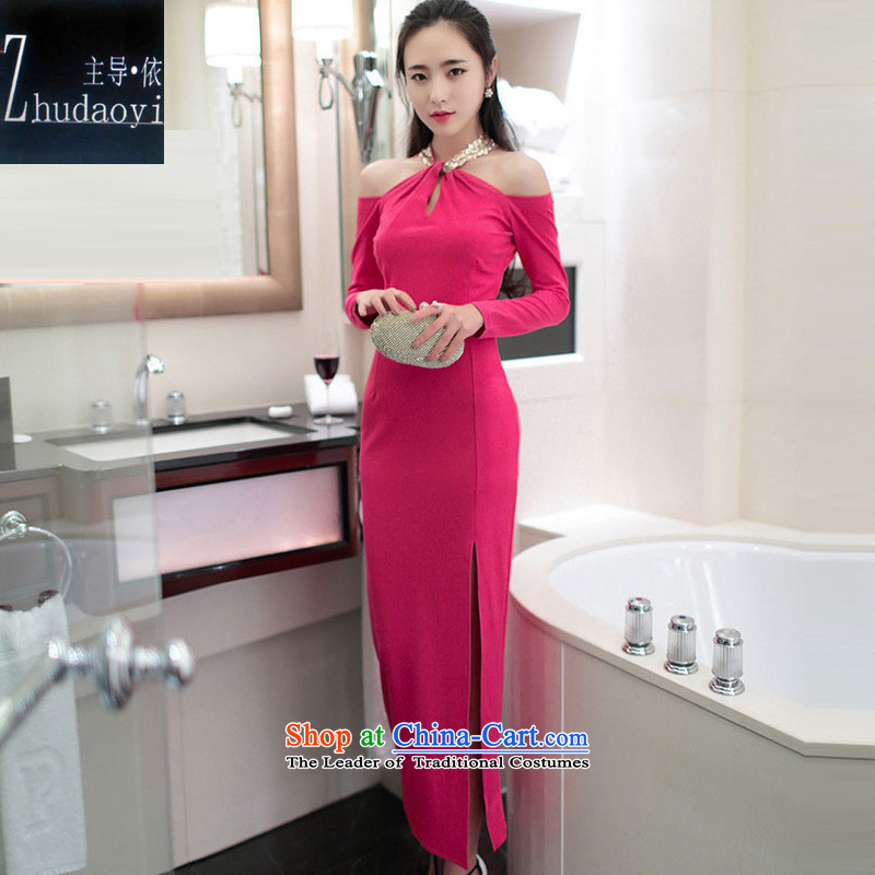 In accordance with the 2015 autumn load leading new sexy aristocratic hang also engraving bare shoulders of the forklift truck package and long-sleeved dresses dress red聽S
